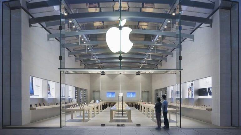 Apple Store'deki ürünler yerle bir oldu!