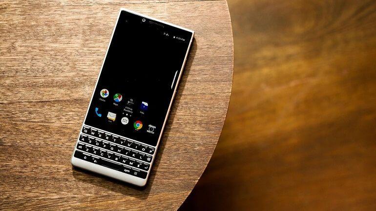 Çalışkanlar için en iyi batarya ömrüne sahip; BlackBerry KEY2