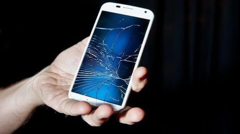 Cep telefonu kırılan ekranını kendi tamir edecek!