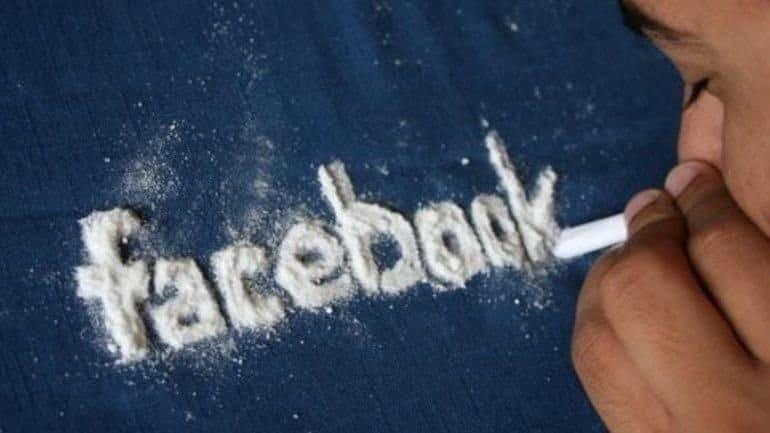 Facebook, kullanıcılarına en az kokain kadar bağımlılık yapıyor
