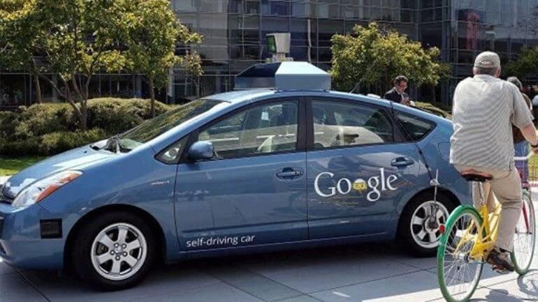 Google'ın sürücüsüz yine kaza yaptı