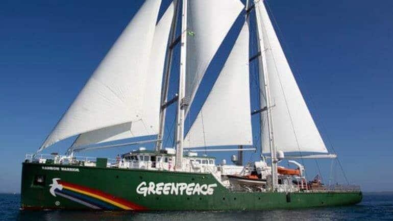 Greenpeace Rainbow Warrior 3 ile Çeşme'de