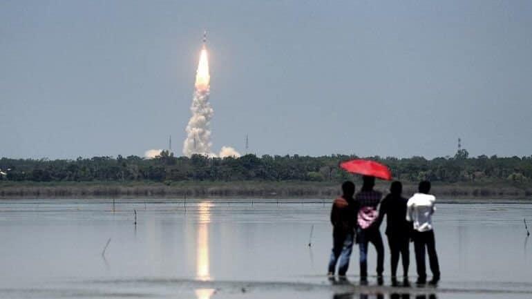 Hindistan insansız uzay mekiğini Uzay'a fırlattı