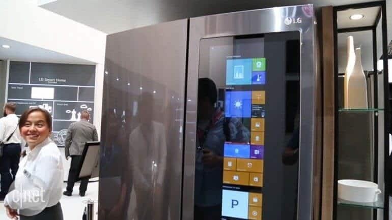LG'nin tanıttığı buzdolabı Windows 10 işletim sistemine sahip