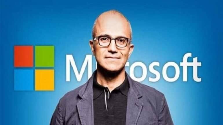 Microsoft CEO'su Satya Nadella Apple'a taş attı