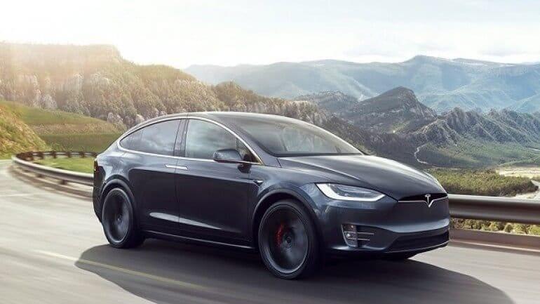Ölümcül Tesla model X kazasında Autopilot devredeydi fakat görmezden gelindi