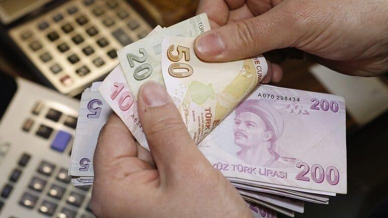 Türkiye'de 6 aylık reklam harcaması 900 milyon TL