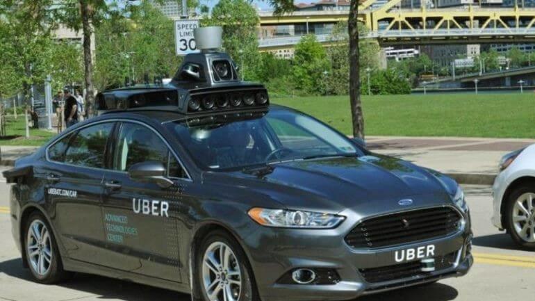 Uber'in sürücüsüz araçları yolcu taşıyacak!