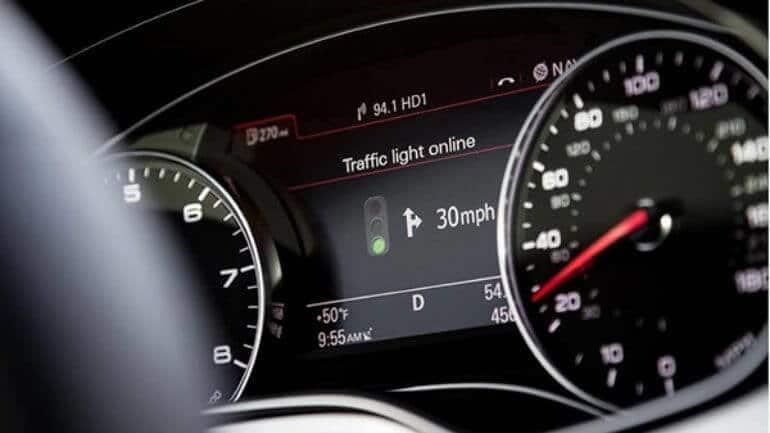 Yeni Audi teknolojisi sayesinde trafik ışıkları dert değil!