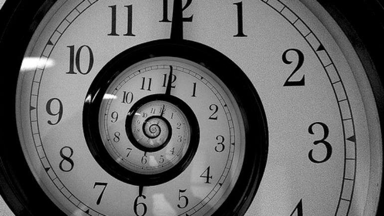 Zamanda yolculuk yapılabilir mi?